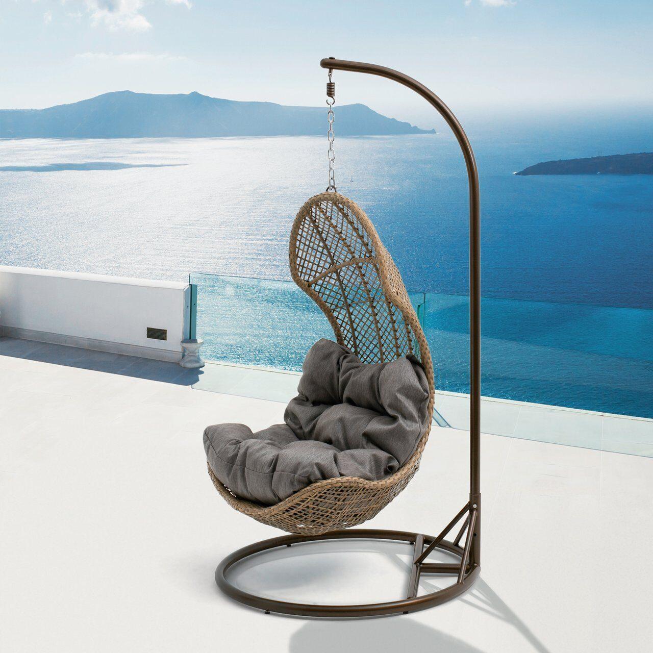 фото подвесное кресло из кадушек большой